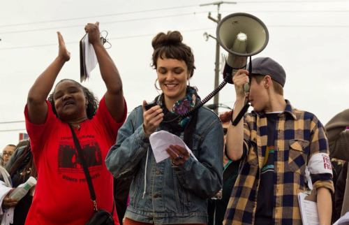 Adrienne Skye Roberts (center) at the Chowchilla Freedom Rally